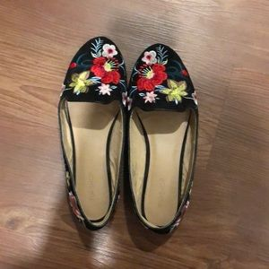 Topshop Embroidered Floral Flats Size 7.5